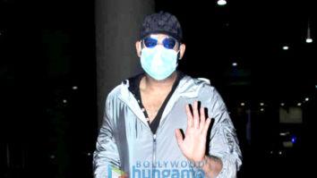 Photos: Prabhas spotted at Mumbai Airport