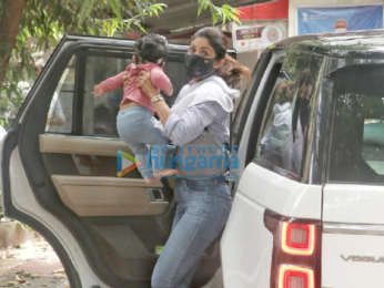 Photos: Shilpa Shetty snapped with her daughter at India Post office in Juhu