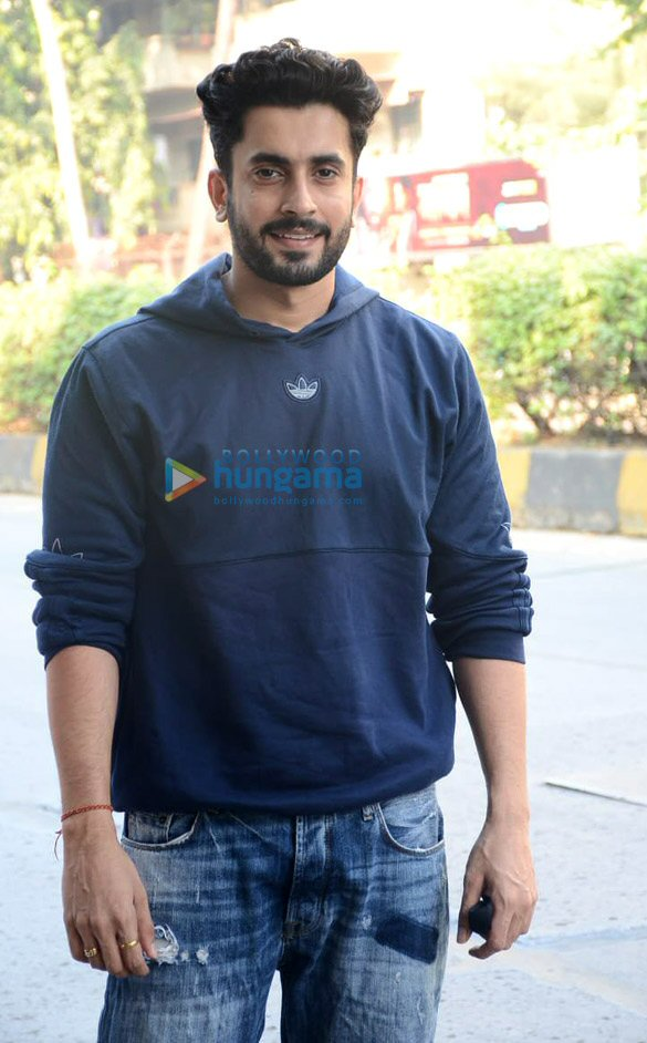 Photos Tiger Shroff and Sunny Singh Nijjar snapped in Juhu (4)