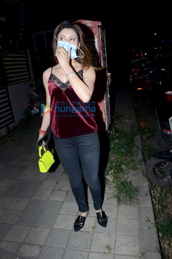 Photos Urvashi Rautela spotted at salon (4)