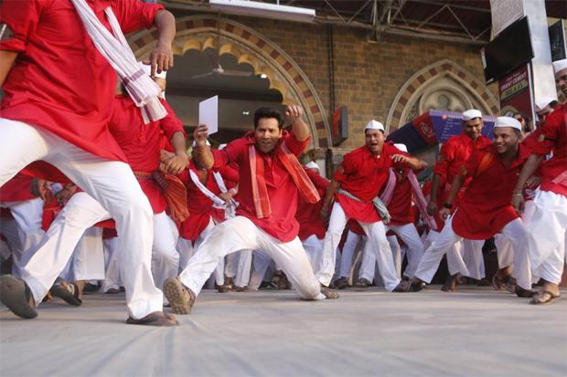 Varun Dhawan and Sara Ali Khan starrer Teri Bhabhi song released