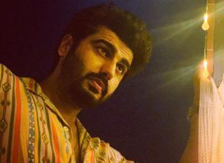 Arjun Kapoor becomes muse for Malaika Arora under the moonlight