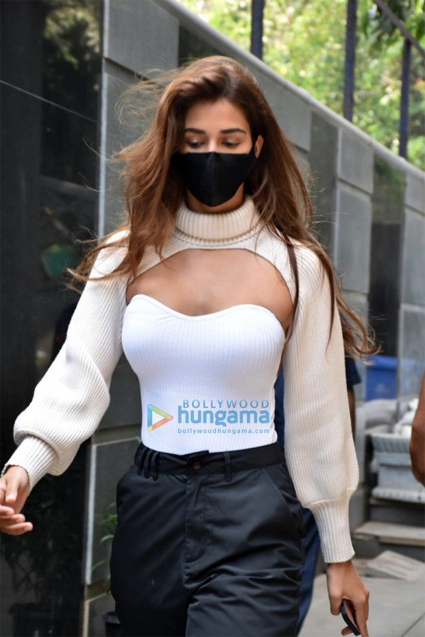 Disha Patani hops on to the arm warmer trend to elevate her look