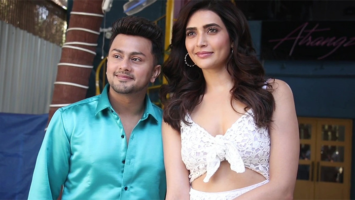 Karishma Tanna visits Awez Darbar's Atrangz studio for shoot