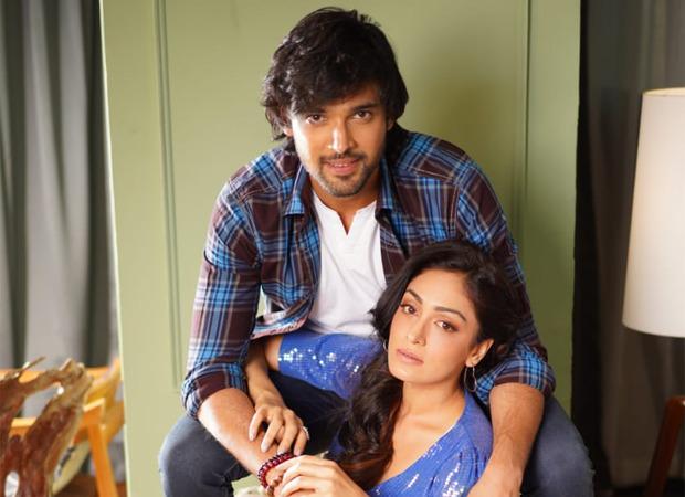 ख़ुशली कुमार और पार्थ समथान एक संगीत वीडियो में अभिनय करने के लिए;  जुबिन नौटियाल और तुलसी कुमार को 'पीपल प्यार का पहला घम'