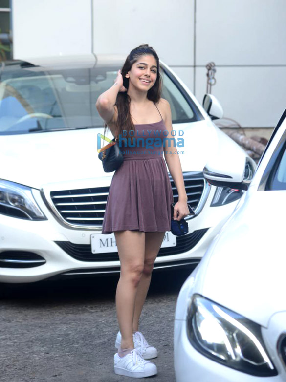 Photos Alaya F spotted at dance class in Andheri (6)