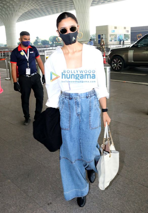 Photos: Alia Bhatt, Falguni Pathak and Warina Hussain snapped at the airport