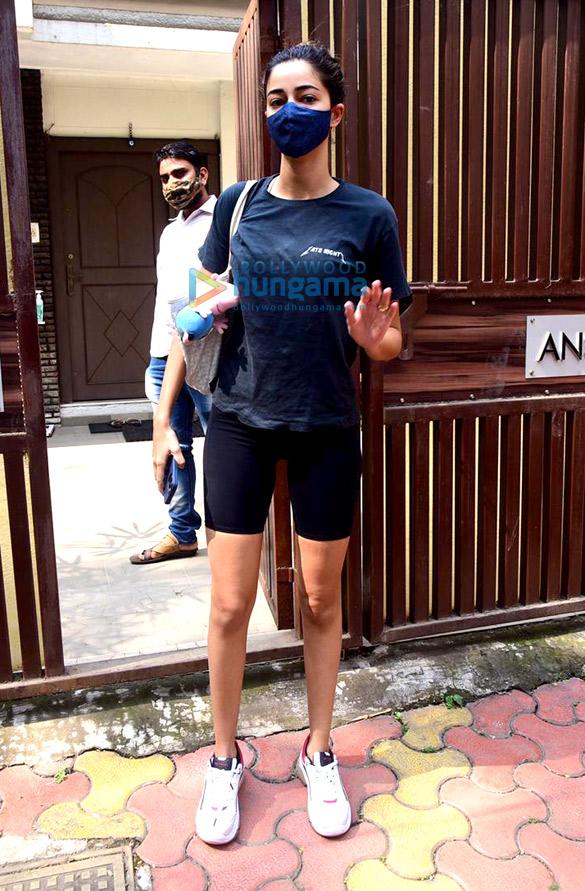 Photos Ananya Panday spotted at Anshuka Yoga classes in Bandra (3)