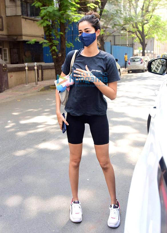 Photos Ananya Panday spotted at Anshuka Yoga classes in Bandra (4)