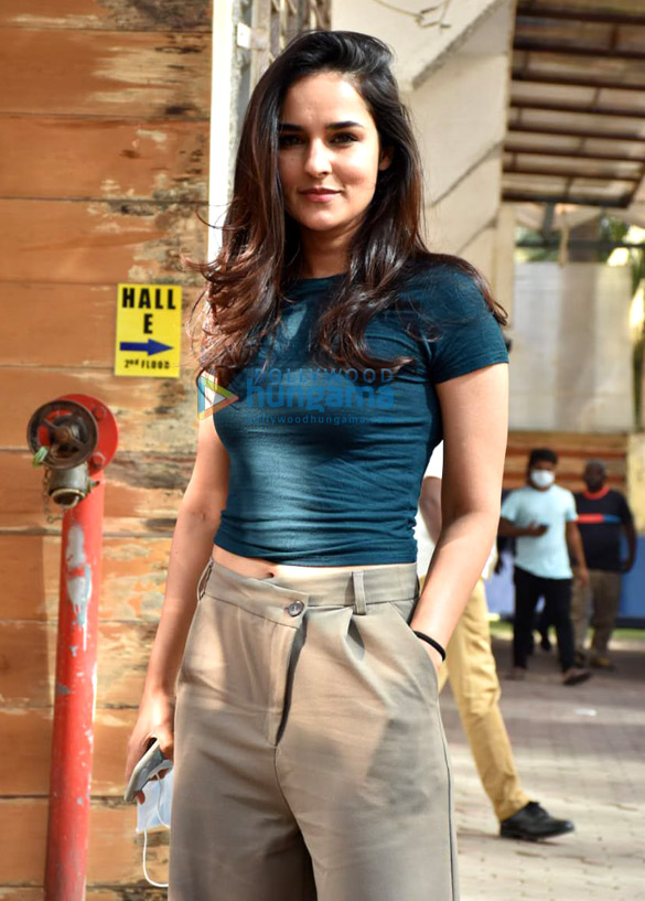 Photos Angira Dhar snapped at Super Star hall in Andheri (4)