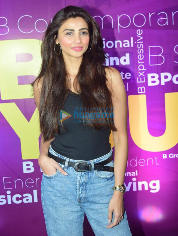 Photos Daisy Shah and other celebs snapped at a dance event (6)