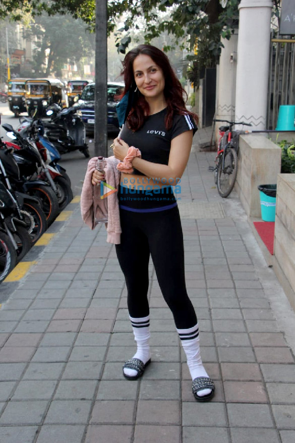 Photos: Elli AvrRam spotted in Bandra