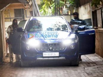 Photos: Malaika Arora and Arjun Kapoor snapped at his home in Juhu