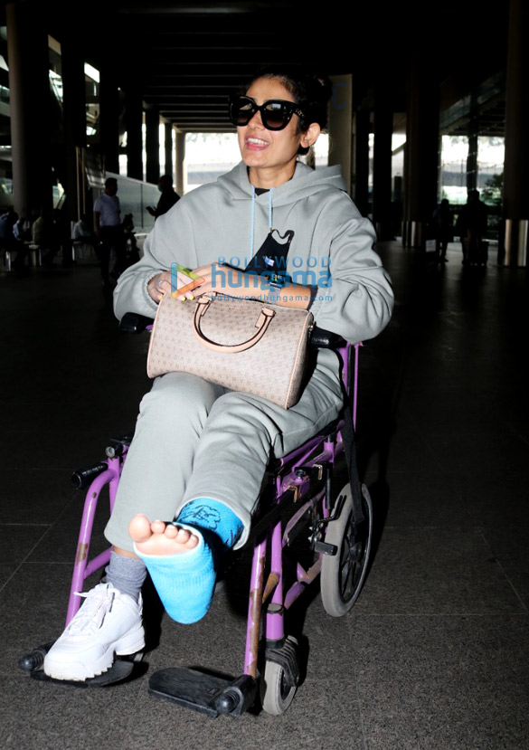 Photos: Pooja Hegde, Ekta Kapoor, Aakanksha Singh and others snapped at the airport