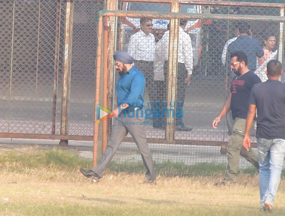 Photos Salman Khan spotted for a shooting in Bandra (1)
