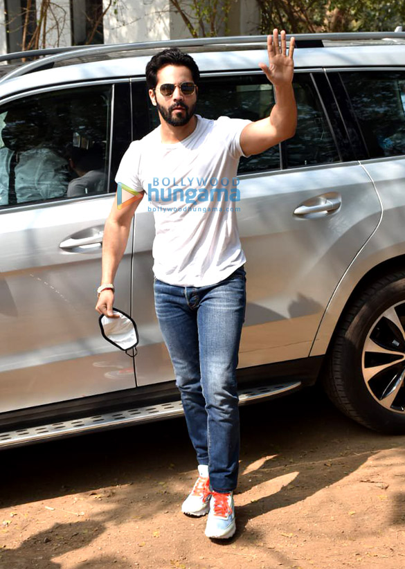 Photos Varun Dhawan arrives in Alibaug for the wedding (1)