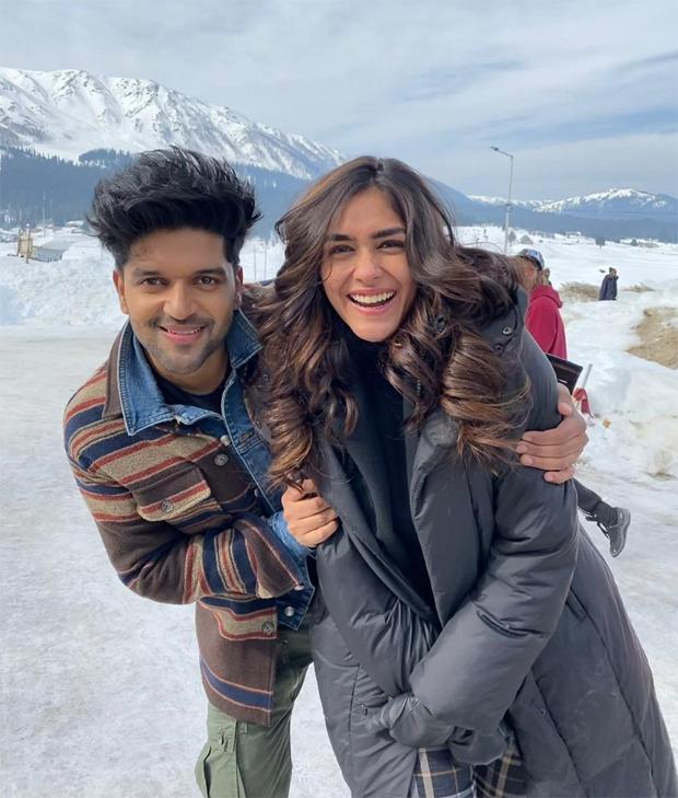 Mrunal Thakur to romance Guru Randhawa in an upcoming music video; the pair shoot in snowy locales of Kashmir