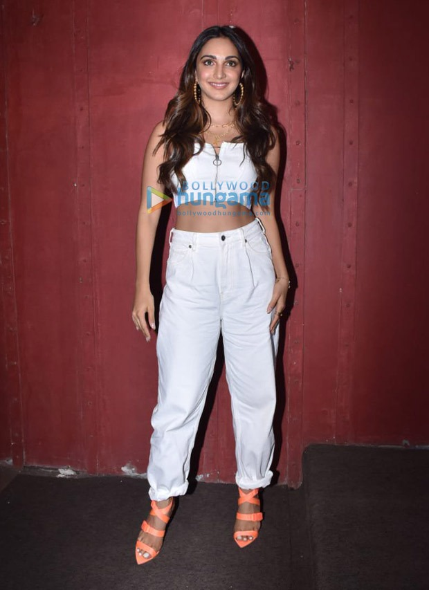 Kiara Advani adds pop of colour to her basic all-white look
