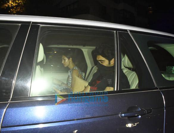 Photos Arjun Kapoor and Malaika Arora spotted at Kareena Kapoor Khan's house in Bandra (5)