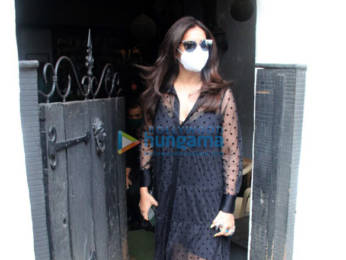 Photos: Bipasha Basu spotted at Hakim's Aalim salon
