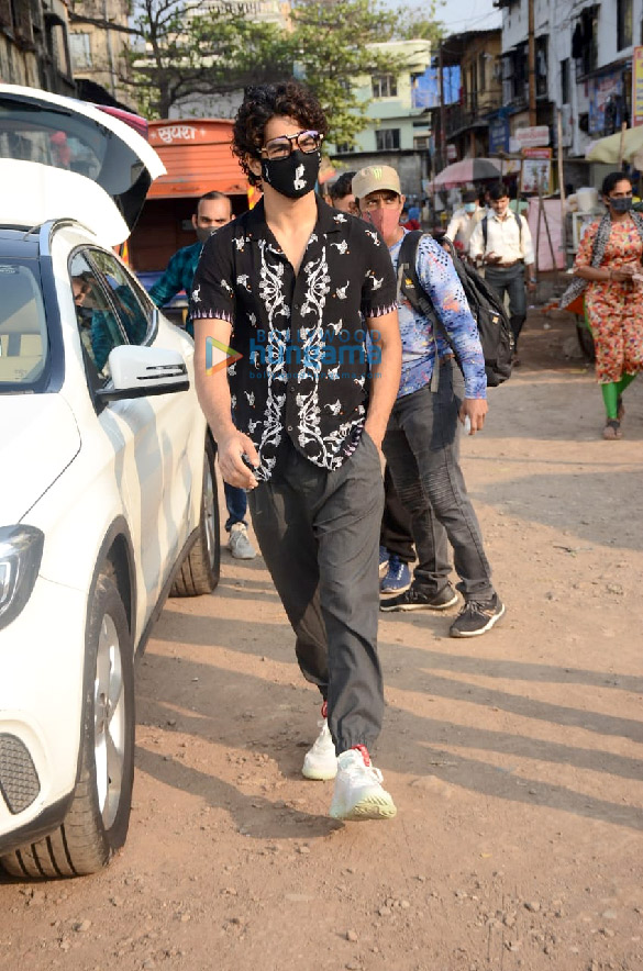 Photos Ishaan Khatter spotted at Versova Jetty (4)