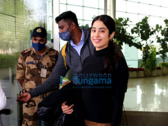 Photos: Mouni Roy, Alia Bhatt, Shruti Haasan and others snapped at the airport