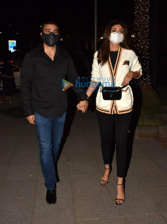 Photos Shilpa Shetty and Raj Kundra snapped in BKC (2)