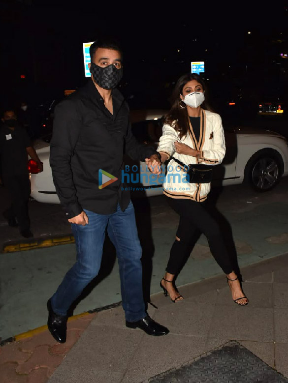 Photos Shilpa Shetty and Raj Kundra snapped in BKC (3)