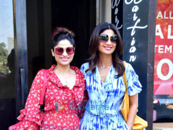 Photos: Shilpa Shetty and family spotted at Bastian