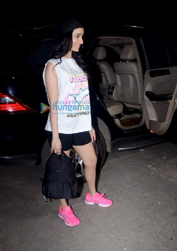Photos Shraddha Kapoor spotted leaving after a shoot with Bella Casa (2)