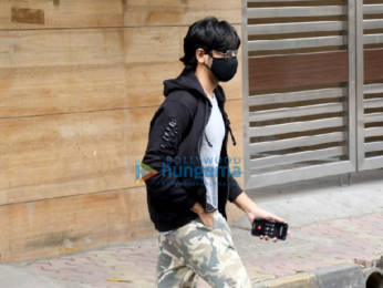 Photos: Sidharth Malhotra spotted outside a clinic