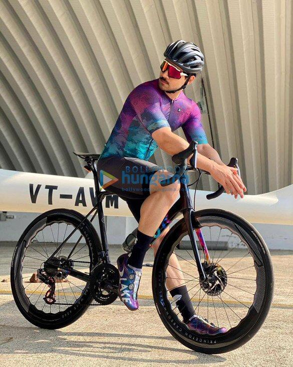 Photos Sooraj Pancholi snapped during cycle ride (1)