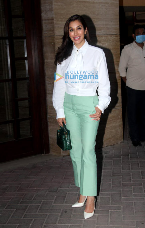 Photos Sophie Choudry snapped celebrating her birthday (1)