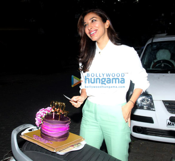 Photos Sophie Choudry snapped celebrating her birthday (3)