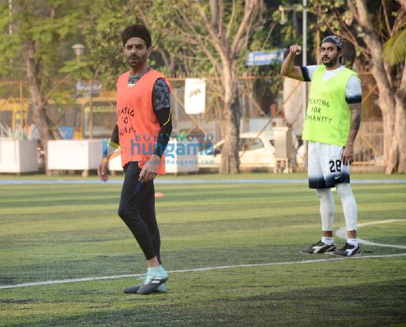 Photos Tiger Shroff, Aparshakti Khurana and others spotted at a Jamnabai ground in Juhu (5)