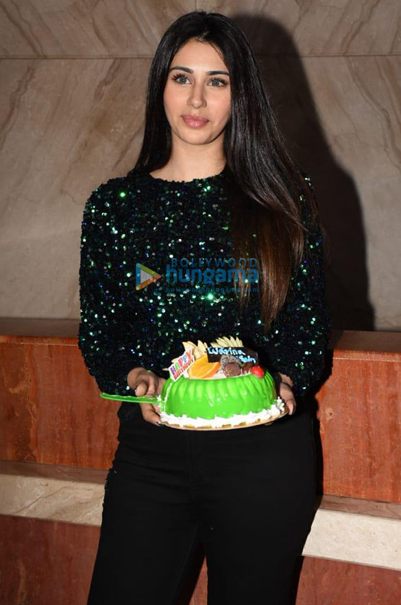 Photos Warina Hussain spotted at Cineriser Digital Media office today on her birthday (2)