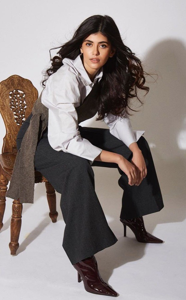 Sanjana Sanghi is making office wear fashionable with layering : Bollywood News Moviesflix - MoviesFlix | Movies Flix - moviesflixpro.org, moviesflix , moviesflix pro, movies flix