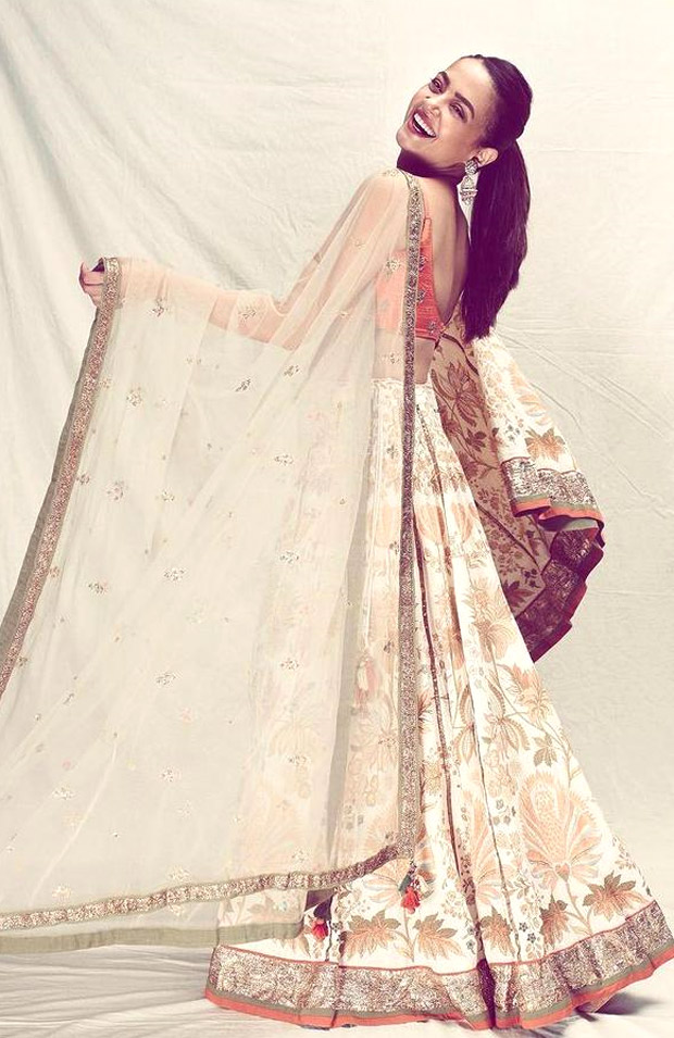 Surveen Chawla's coral floral print lehenga worth Rs. 39,900 is perfect for wedding season festivities