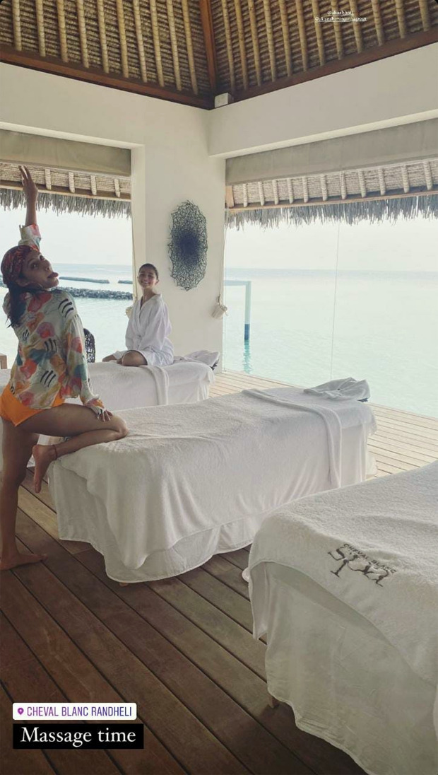 Alia Bhatt soaks in the sun whilst enjoying swimming with her BFFs Akansha and Anushka Ranjan Kapoor during Maldives vacation