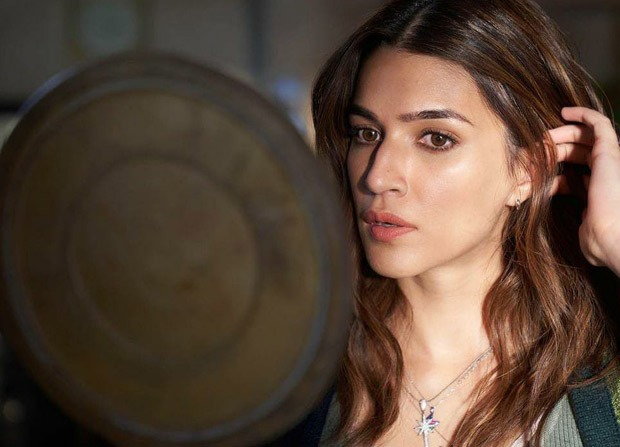 Kriti Sanon shares stunning behind-the-scenes pictures from the sets of Bachchan Pandey in Jaisalmer