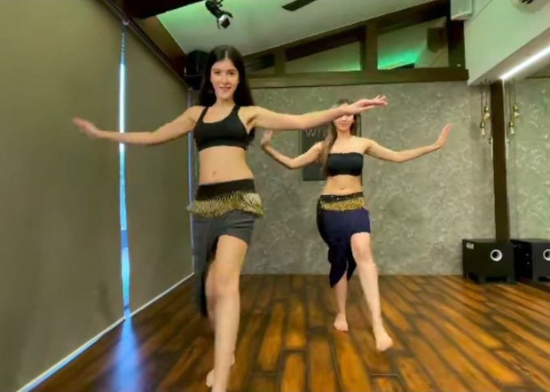 Shanaya Kapoor shows belly dancing skills while grooving to Shakira's 'Hips Don't Lie'