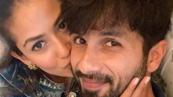 """""""I like me better when I'm with you"""" - Mira Rajput kisses Shahid Kapoor on his 40th birthday"""