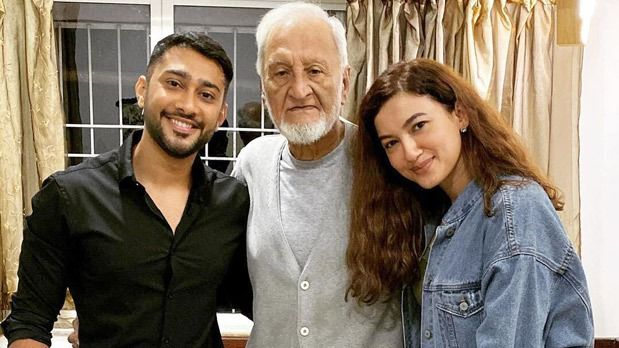 Gauahar Khan's father passes away, asks people to remember him in their prayers