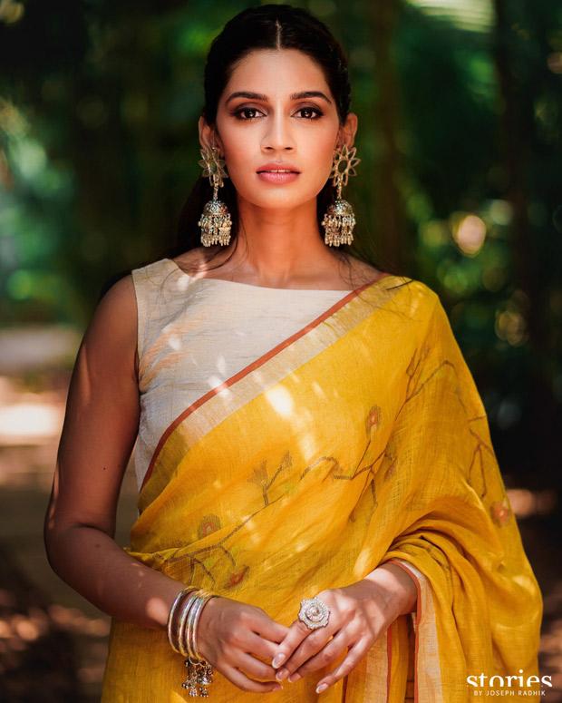 Jasprit Bumrah and Sanjana Ganesan keep it vibrant and regal in Anita Dongre and Antar Agni for mehendi and haldi ceremonies 5
