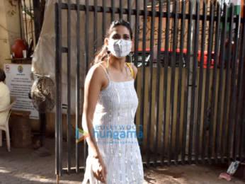 Photos: Aahana Kumra snapped in Juhu