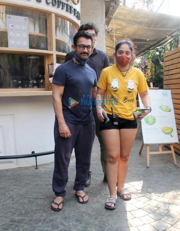 Photos Aamir Khan, Ira Khan and Junaid Khan spotted in Bandra (4)