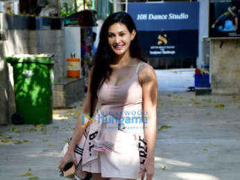 Photos: Amyra Dastur snapped at 108 Dance Studio