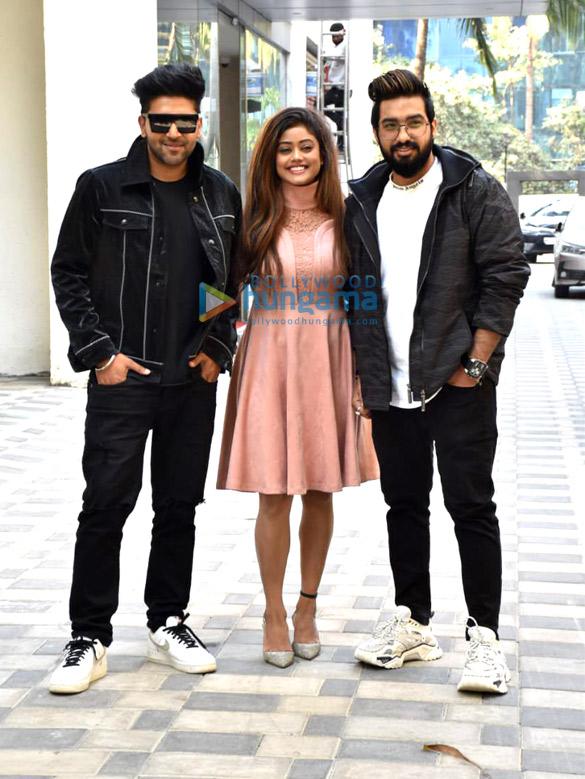 Photos Guru Randhawa, and Sachet-Parampara snapped at T-Series for the promotions of their single 'Aur Pyaar Karna Hai' (3)