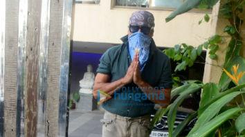 Photos: Jackie Shroff snapped at a clinic in Bandra