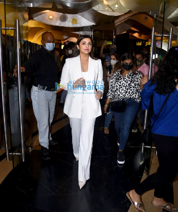 Photos Parineeti Chopra snapped at Saina movie trailer launch in PVR, Juhu (2)